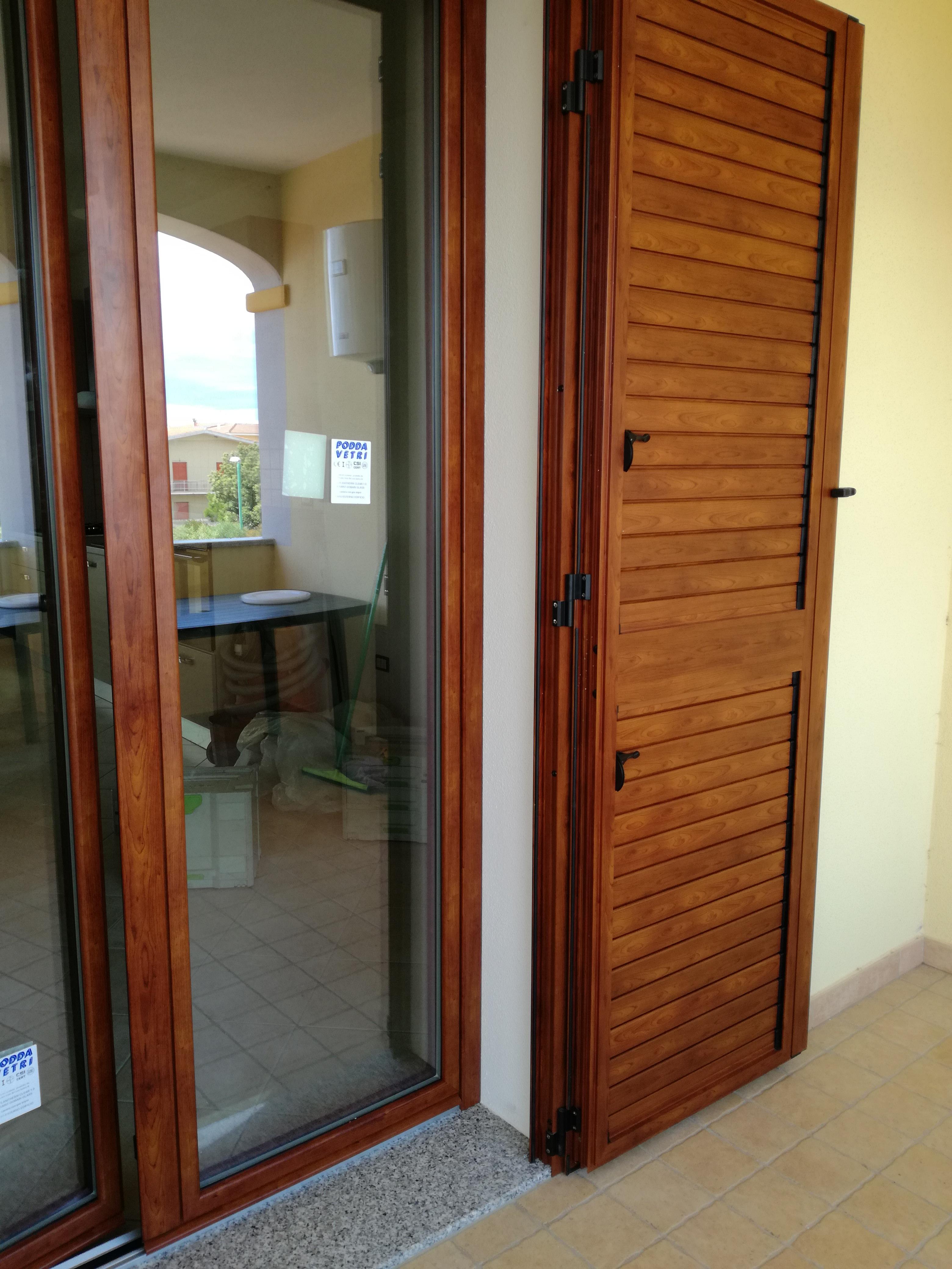 Porta balcone in alluminio porte in alluminio for Porta balcone pvc prezzi